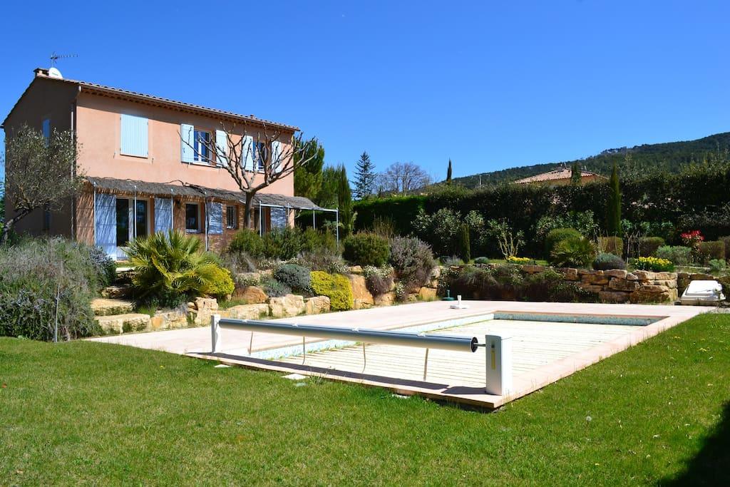 Villa avec piscine en campagne
