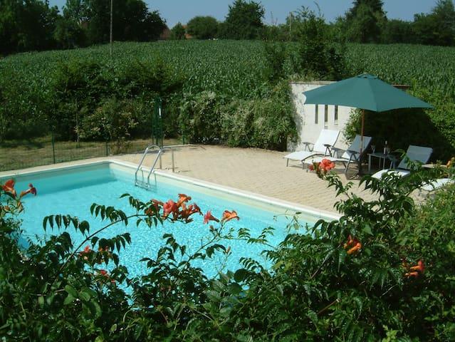 Family Holiday Villa w Exclus pool - Jumilhac-le-Grand - Haus