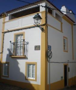 Casa Roq in centre of historic Avis - Avis