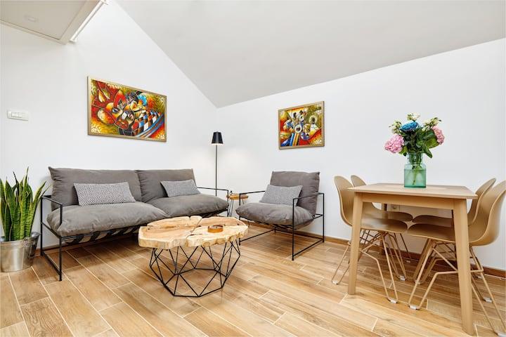 42°North**** Beautiful Designed Apartment - Grey