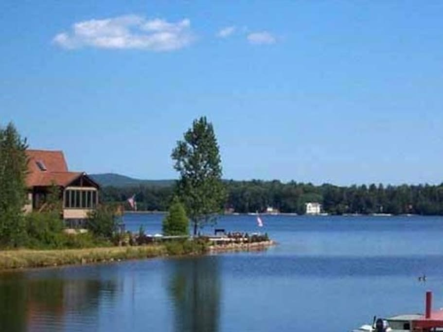 Community by the lake in the Poconos - sand bottom lake for swimming.. Our house is a half mile (walkable) to the lake