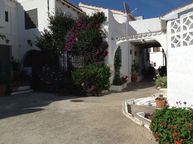 Cosy one bedroomed village house - Barranco Ferrer - Casa
