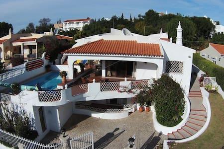 Villa Coniglio- Algarve, Portugal - Almancil