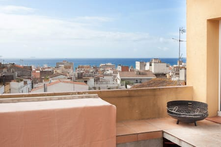 APPARTMENT CLOSE TO THE BEACH. 6pax - Canet de Mar - Διαμέρισμα