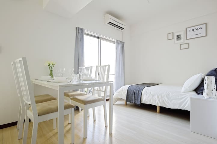Amazing Location!NAMBA area、Very close to Station! - 大阪市 - Apartamento
