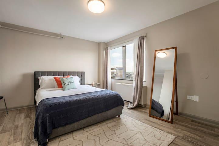 Bold  Luxurious 1 bedroom Louisville getaway
