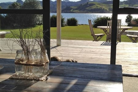Sunny Waterfront Beach House - Pauanui - 一軒家