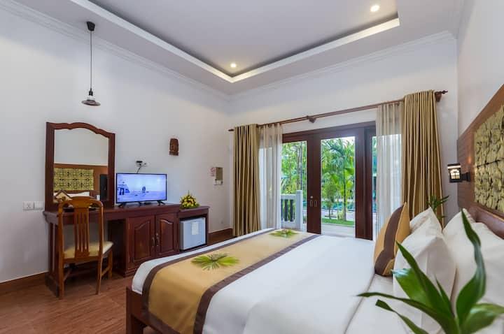 SLA Resort - Deluxe Double Room