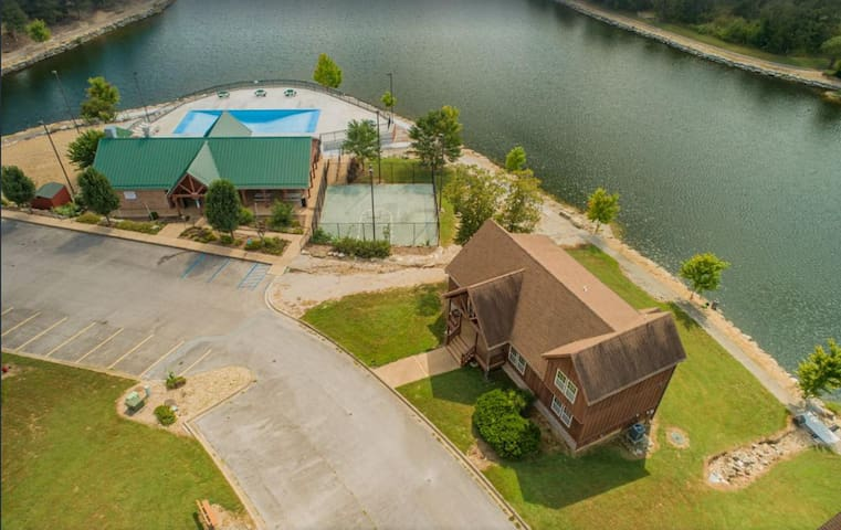 LAKEFRONT next to the POOL! In Stonebridge by Silver Dollar City