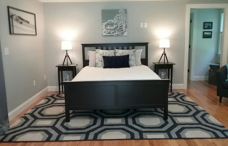 Tranquil BayBreeze Private Master Suite