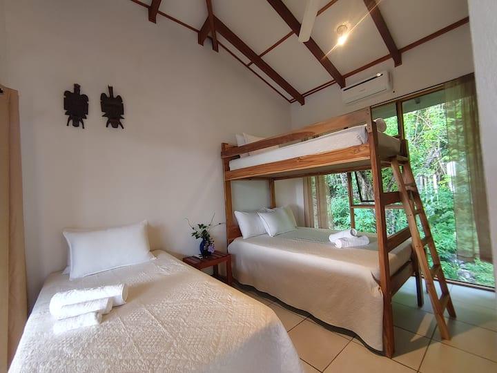 Private Room. Ocean View house above Santa Teresa.