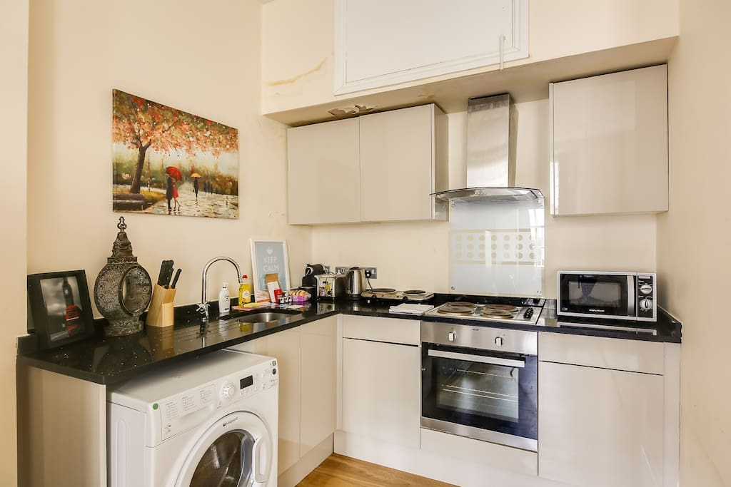 A sleek kitchen with plenty of amenities...