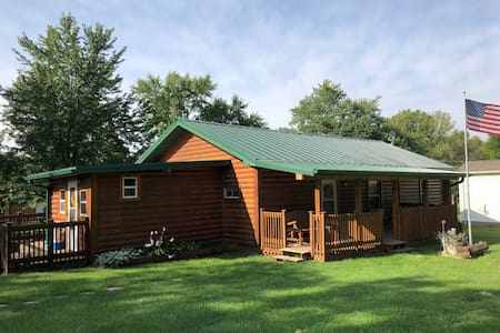Little Cedar Lodge (for hunters or vacation!)