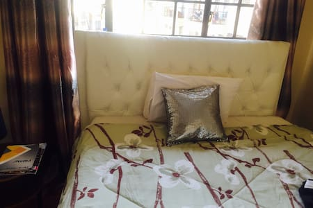 Private cozy room - Nairobi - Leilighet