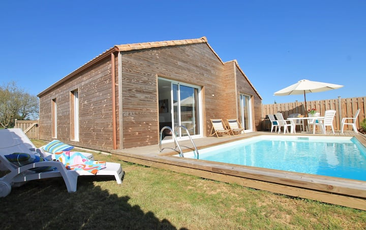 Villa Silène, close to the beach, with heated pool