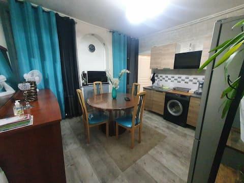Bel petit  appartement entièrement rénové