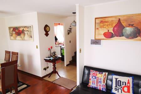 Hermosa casa ( 2 piezas) en entorno privilegiado