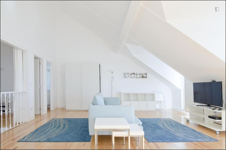 Spacious 1-bedroom apartment with an amazing view - Lisbon - Apartment