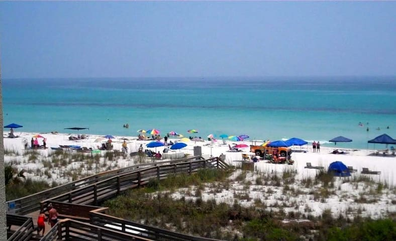 Sweeping Ocean Views & Spacious Too - Pensacola Beach - Apartment