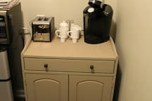 Coffee Maker and Toaster (Pods Provided)