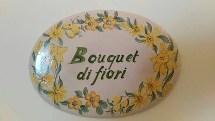 B&B Camera Bouquet di Fiori gialli