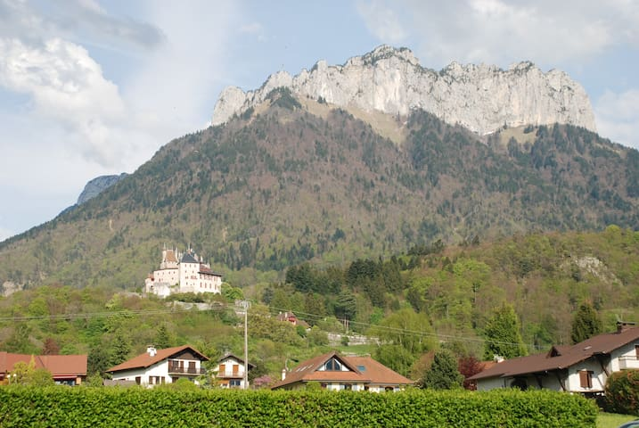 Beau T2 entre lac et montagne