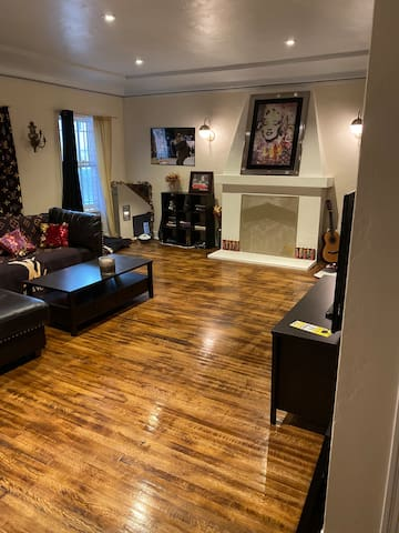 2nd bedroom in Centrally located Mid-City 2 Story