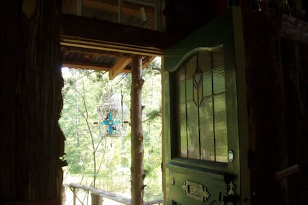 Cedar Treehouse on Cross Lake - Shreveport - House