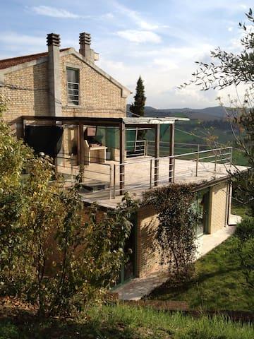 Landhuis in schitterende omgeving - Carassai - Ev