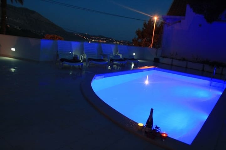 SunnyAp.Pool,Seaview,8kmDubrovnik - Mlini - Apartment