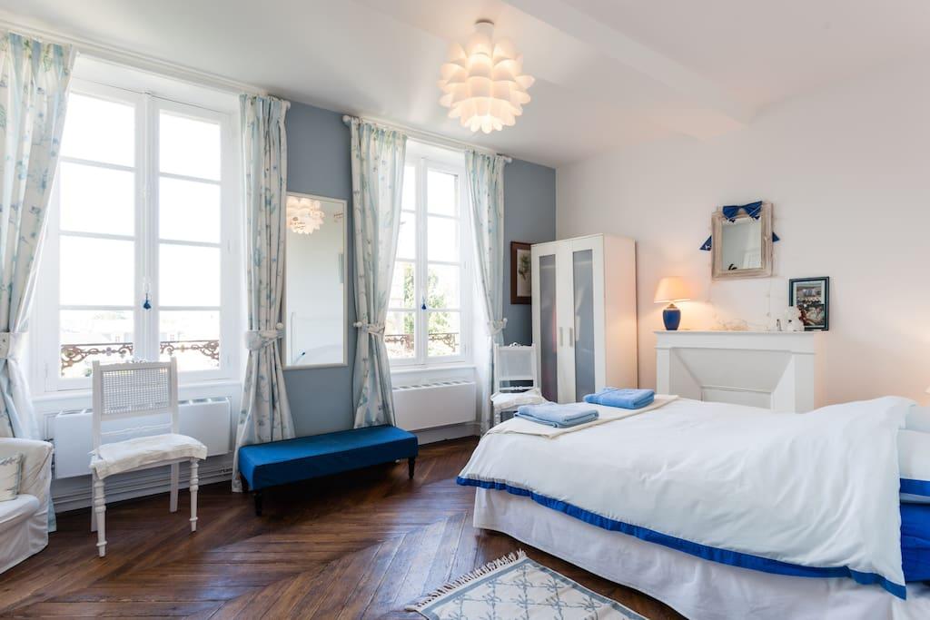 chambre double alice maison xvii me maisons louer caen basse normandie france. Black Bedroom Furniture Sets. Home Design Ideas