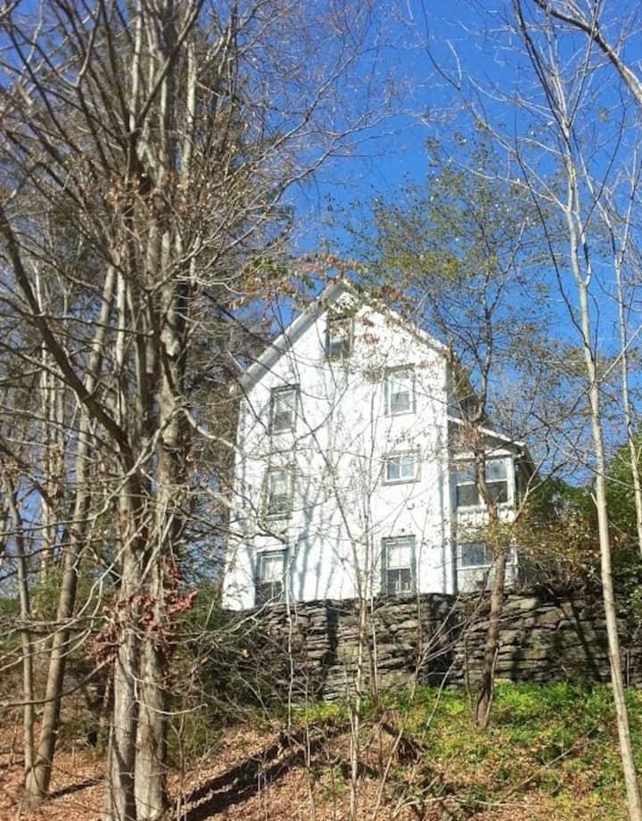 Creek & Hillside House by Belleayre
