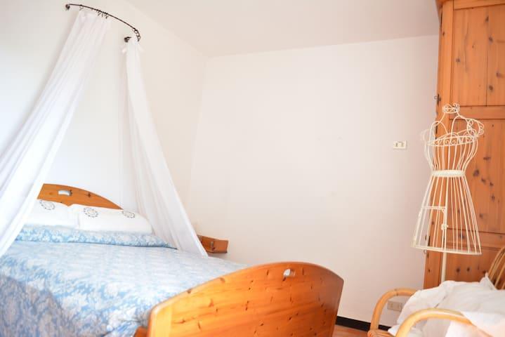 Camere e suite nella natura davanti al mare. - Castiglione Chiavarese - Appartement