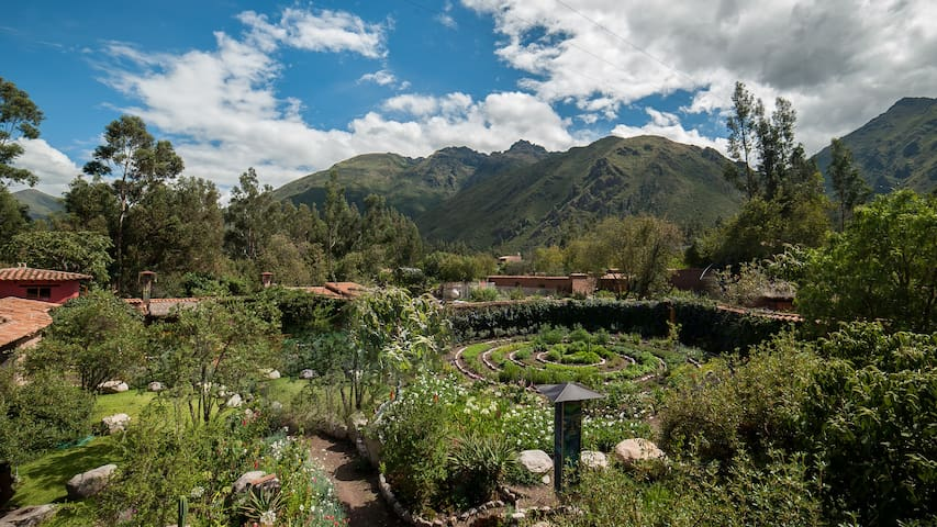 Guidebook for Urubamba