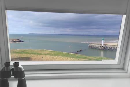 Studio Terrasse vue mer à Deauville