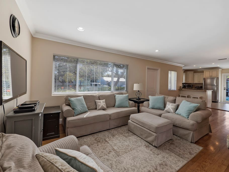Seating for 8 on the couch, love seat and two armchairs