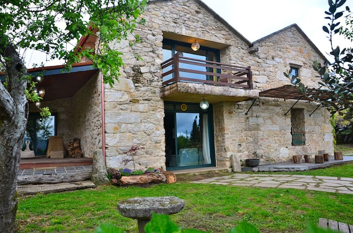 Impresionante casa rural en galicia casas en alquiler en alende galicia espa a - Casas rurales grandes ...