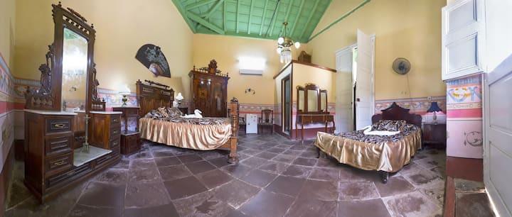 HOSTAL EL TAYABA ROOM1 CENTER HISTORIC PLAZA MAYOR