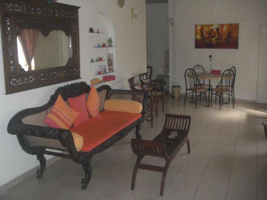 Living Room/Sitting Area/Hall