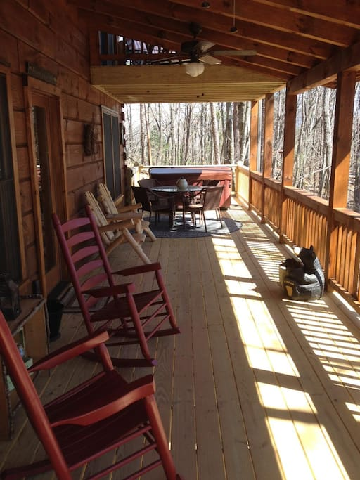 Expanded porch with Hot Tub!