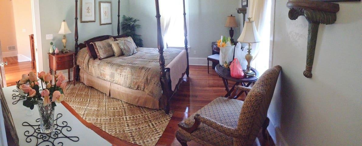 Quiet sitting area in your room