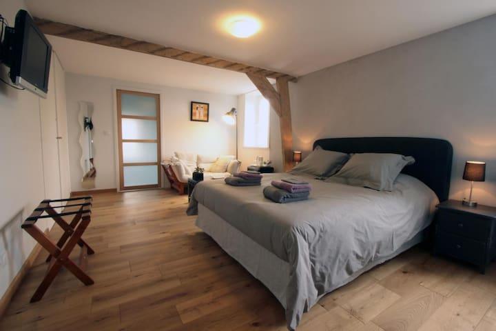 chambre tout confort avec baignoire - Godewaersvelde - Penzion (B&B)