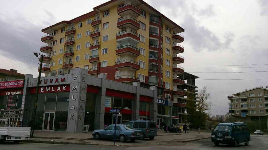15 Minutes from the Airport. - Saray - Apartamento