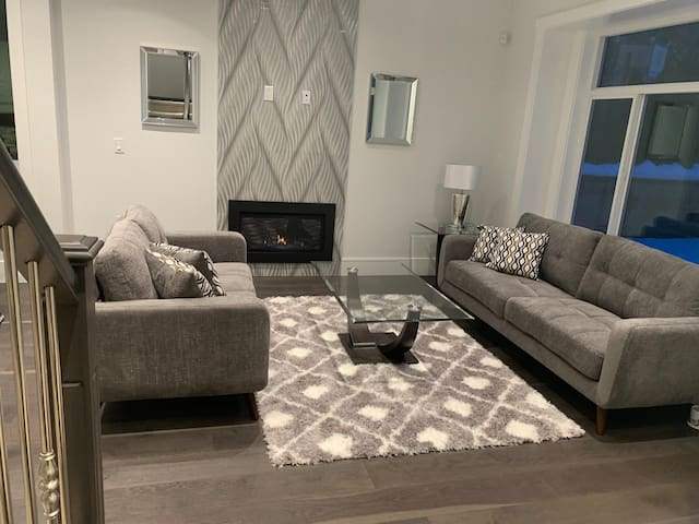 BURNABY- Brand new house with brand new furniture