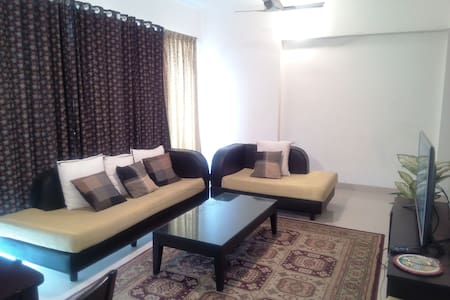 Beautiful Blue Room in Balewadi, Pune. - Apartment