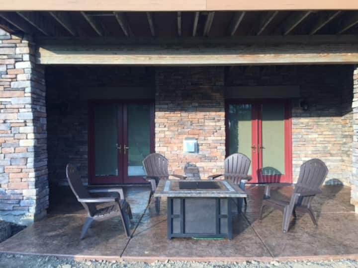 Ellicottville NY - Wildwood Retreat 2-4 guests