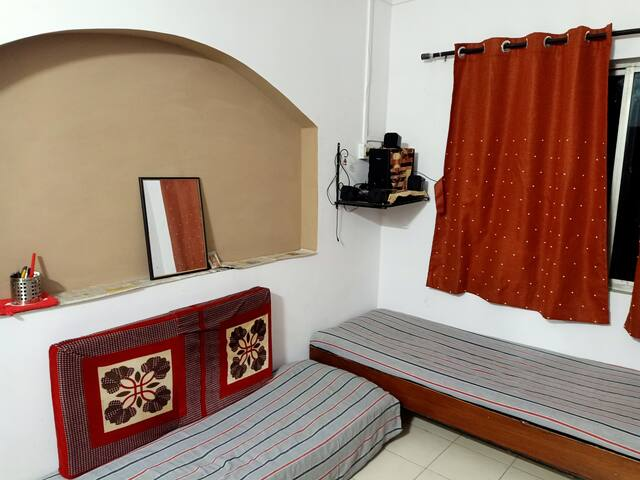 Home stay for 2 persons on Hingna MIDC Road Nagpur