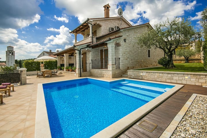 Villa Giorgia with stunning view - Vižinada - House