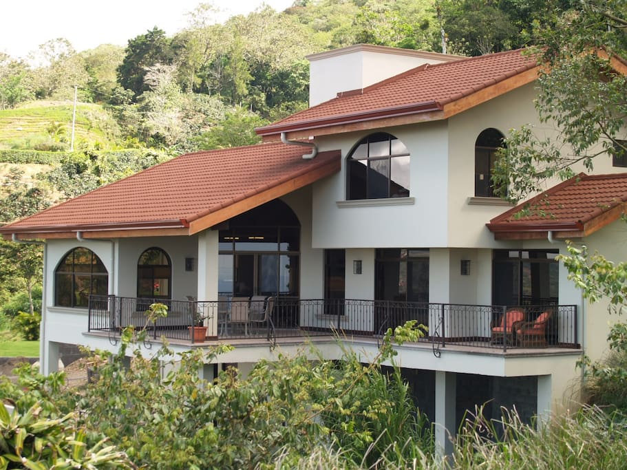 Paradise getaway in costa rica houses for rent in san for Costa rica rental houses