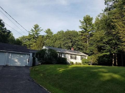 Quiet Turner Maine Home - 3bedroom + 2 bath